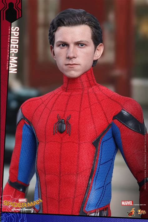 Hot Toys Spider-Man Homemade Suit for Homecoming